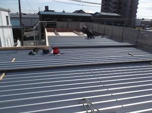 いよいよ屋根です 新㈱南部建装