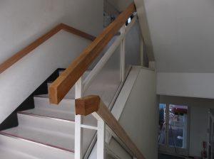 岐阜  内部階段の手摺の親