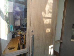 玄関扉の塗り替え塗装