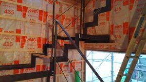 鉄骨階段をメタリックに塗装