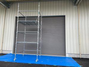 新築工事 重量シャッタ-吹付塗装